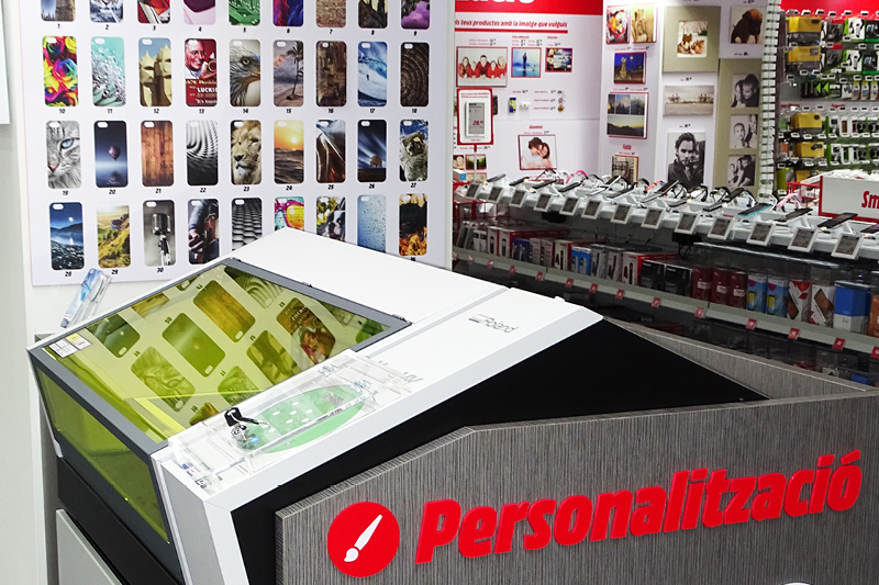 Over 80 stores have their own VersaUV LEF printer