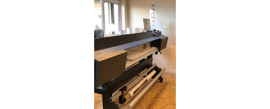 Bow Design upgraded their VersaCAMM SP 540 to a TrueVIS VG 640 wide format inkjet printer cutter