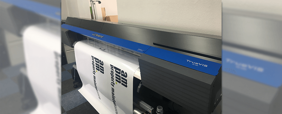 sign printing with wide format printer cutter