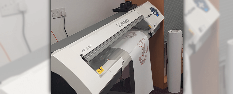 Roland DG printer cutter in action