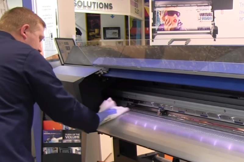 Maintaining your printer with tips from RolandCare