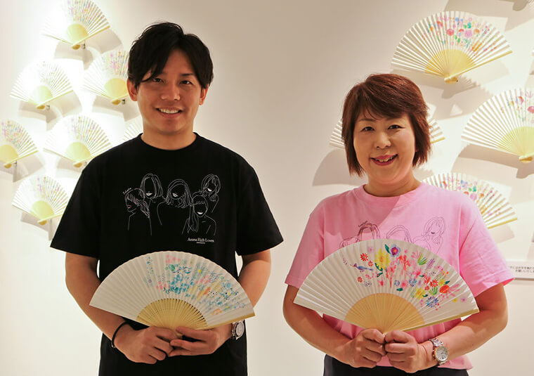 Koji Hamada and Rika Kato from Lion Corporation at the Sense Your Aroma Gallery.