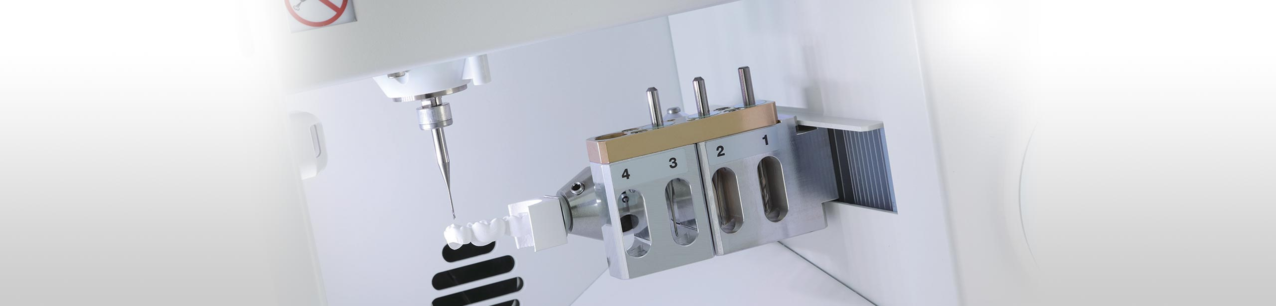 Roland DWX-4 user-friendly desktop compact dental milling system