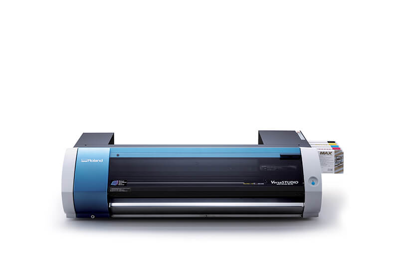 Roland VersaSTUDIO BN-20 desktop printer cutter