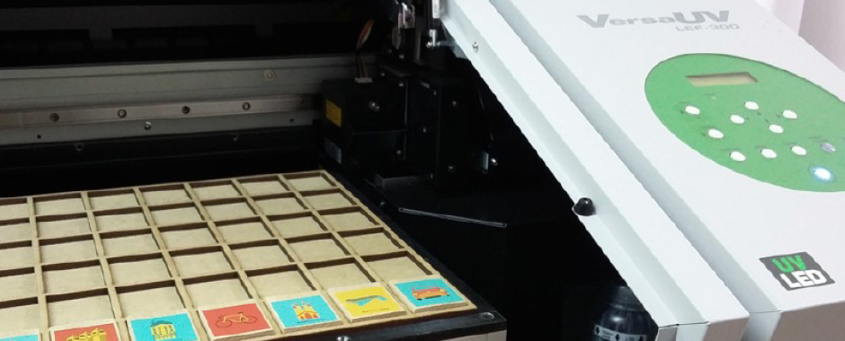 The brothers use a Roland VersaUV LEF benchtop flatbed printer to personalise a range of products