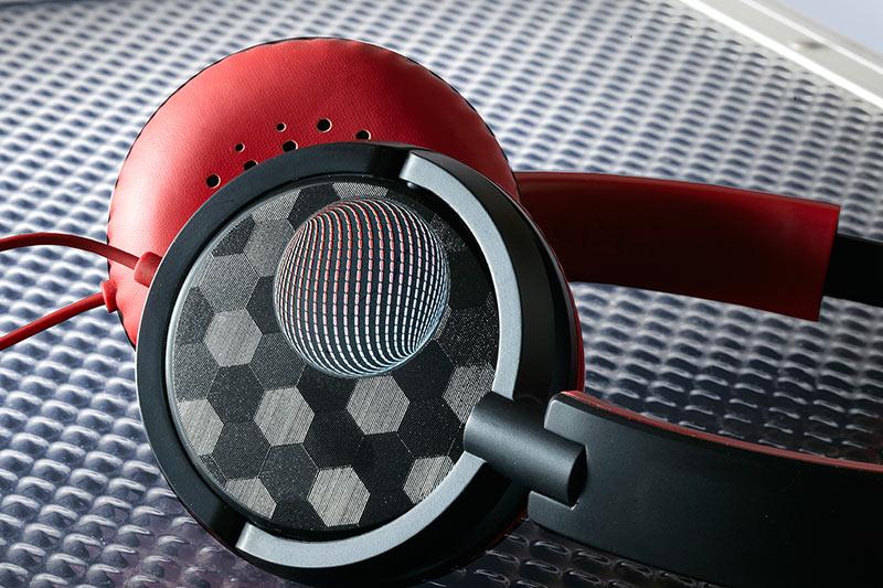 Personalised headphones printed with VersaUV LEF2-200