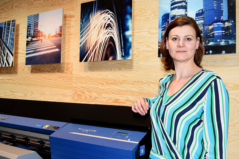 Nadia Plomp Product Specialist at Roland DG Benelux to host interactrive TrueVIS VG2 workshops